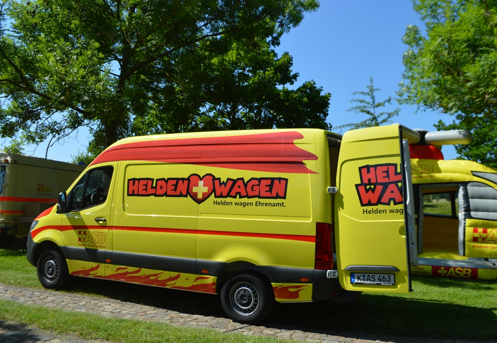 Heldenwagen 2.jpg